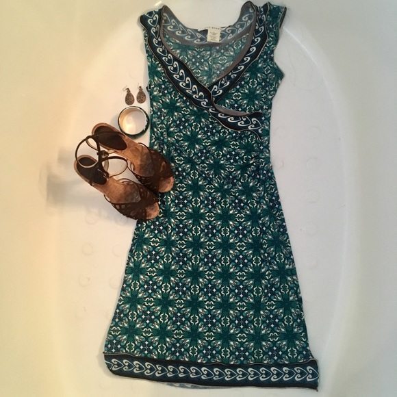 ee8a5a590e Max Studio Patterned Sleeveless Fit   Flare Dress.  M 5c7b0bf4534ef939ed6bfd19